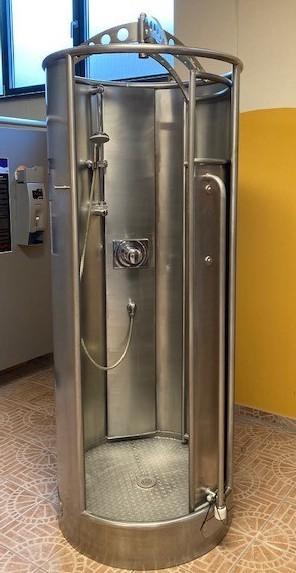 Edelstahl-Duschen zu verkaufen